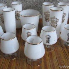 Antigüedades: JUEGO CUBITERA – SEIS VASOS - SEIS COPAS // DE CRISTAL OPACO PINTADO AL ORO . Lote 122298787