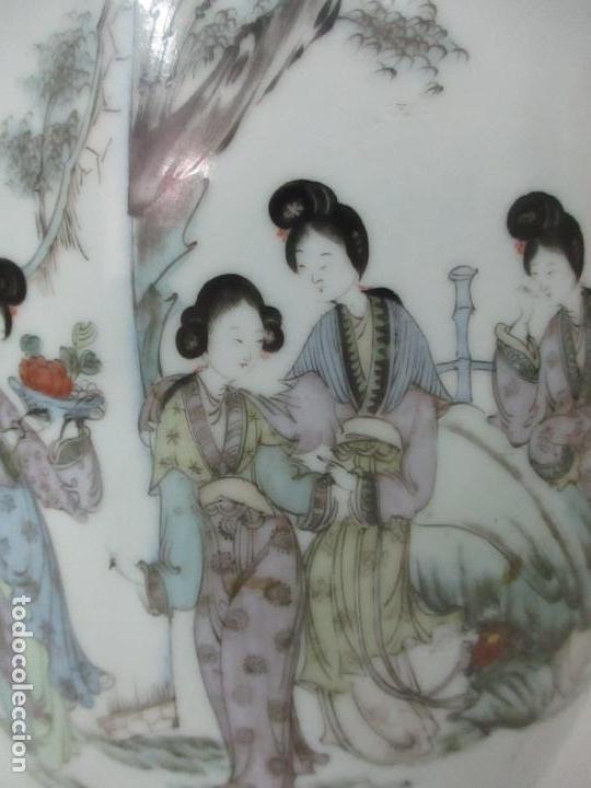 Antigüedades: Pareja Jarrones Orientales - Jarrón Porcelana de Nanking, China - Peanas de Madera - Altura 48,5 cm - Foto 6 - 150332305
