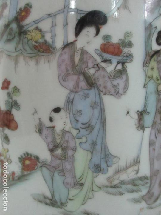 Antigüedades: Pareja Jarrones Orientales - Jarrón Porcelana de Nanking, China - Peanas de Madera - Altura 48,5 cm - Foto 7 - 150332305
