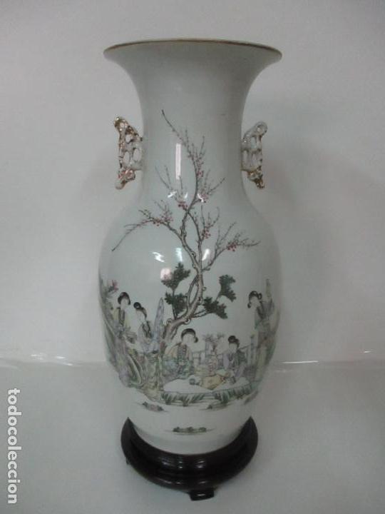 Antigüedades: Pareja Jarrones Orientales - Jarrón Porcelana de Nanking, China - Peanas de Madera - Altura 48,5 cm - Foto 21 - 150332305