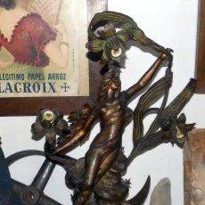 Antigüedades: ESPECTACULAR LAMPARA MODERNISTA , ESCULTOR J.CAUSSÉ, 72 CM, VER FOTOS Y DESCRIPCIÓN. Lote 122368463
