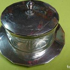 Antigüedades: AZUCARERO DE CRISTAL Y METAL PLATEADO . Lote 122378659