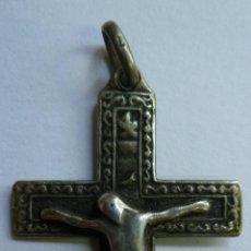 Antigüedades: CRUCIFIJO ANTIGUO DE PLATA. ( 4 X 2,5 CM). REAL CARTUJA DE MIRAFLORES. Lote 122380543