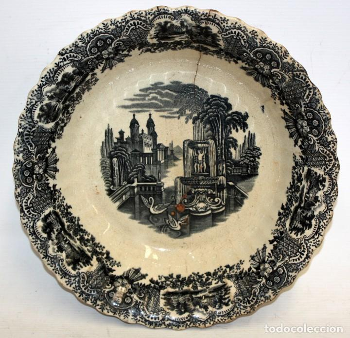 ENSALADERA EN CERAMICA PICKMAN & CIA (1870 -1899) LA CARTUJA SEVILLA (Antigüedades - Porcelanas y Cerámicas - La Cartuja Pickman)