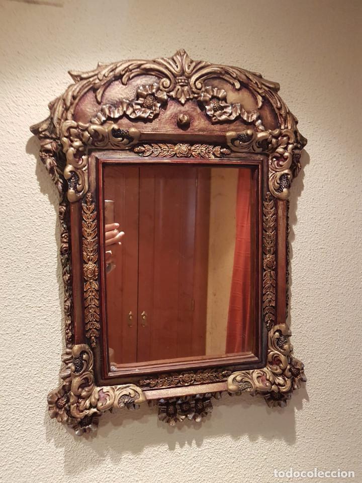 Antiguo y bonito espejo de pared de madera en p comprar - Espejos antiguos de pared ...