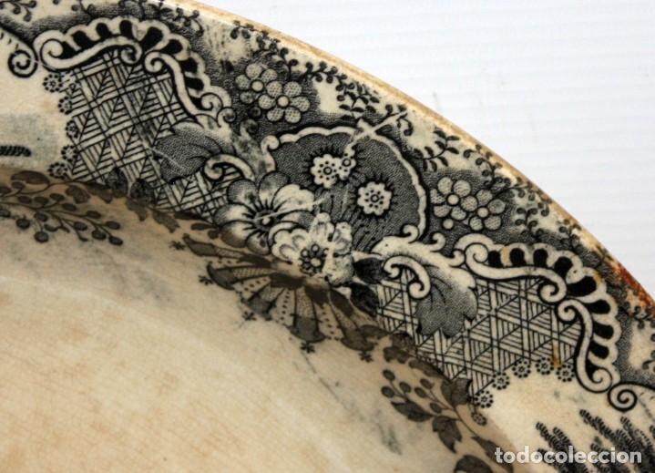 Antigüedades: GRAN PLATO EN CERAMICA PICKMAN & CIA (semi china) SIGLO XIX. LA CARTUJA SEVILLA. 38,5 CM. DIAMETRO - Foto 4 - 122425859