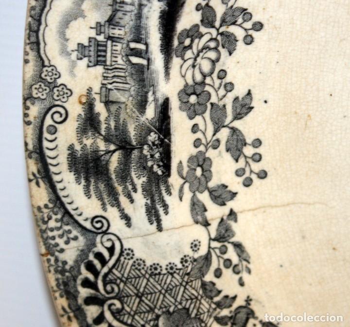 Antigüedades: GRAN PLATO EN CERAMICA PICKMAN & CIA (semi china) SIGLO XIX. LA CARTUJA SEVILLA. 38,5 CM. DIAMETRO - Foto 7 - 122425859