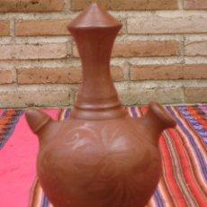 Antigüedades: BOTIJO DE COLECCION EN CERAMICA, CON DIBUJOS RASPADOS.PIEZA UNICA.. Lote 122470059