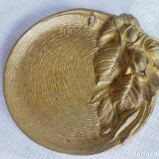 Antigüedades: TARJETERO ART DECO FIRMADO POR EL PRESTIGIOSO ARTISTA MAURICE FRECOURT 1900. Lote 122473923