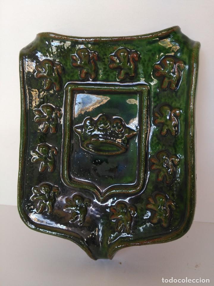 CENICERO ESCUDO DE ÚBEDA DE CERÁMICA POPULAR DE ÚBEDA (Antigüedades - Porcelanas y Cerámicas - Úbeda)