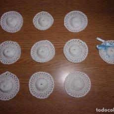 Antigüedades: LOTE DE 10 SOMBREROS DE GANCHILLO PEQUEÑOS.. Lote 122526863
