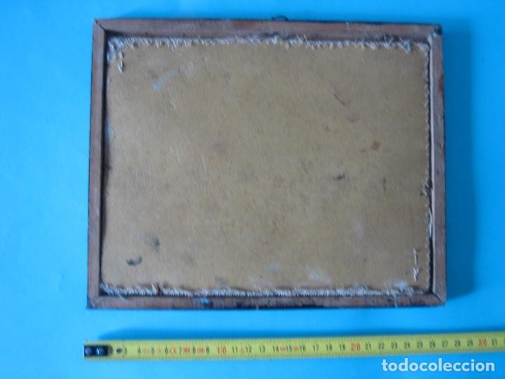Antigüedades: ANTIGUO BORDADO PUNTO DE CRUZ SOBRE TELA LETRAS Y DIVERSAS FIGURAS MARCO DE MADERA CON CRISTAL VER - Foto 2 - 122603571