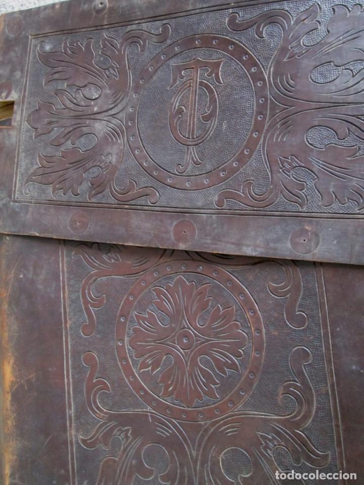 Antigüedades: UN ASIENTO Y UN RESPALDO -- De cuero -- Medidas 60 x 47, 5 cm. - Foto 2 - 122611471