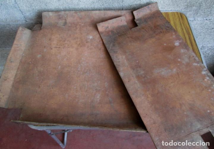 Antigüedades: UN ASIENTO Y UN RESPALDO -- De cuero -- Medidas 60 x 47, 5 cm. - Foto 3 - 122611471
