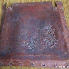 Antigüedades: UN ASIENTO DE CUERO . Lote 122612535