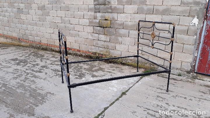 Antigüedades: Cama antigua completa de hierro y latón 122 cm, cabecero y piecero antiguo - Foto 5 - 122626843