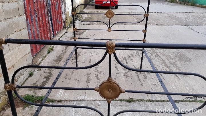 Antigüedades: Cama antigua completa de hierro y latón 122 cm, cabecero y piecero antiguo - Foto 6 - 122626843