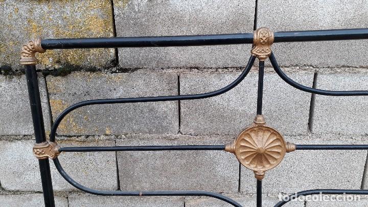 Antigüedades: Cama antigua completa de hierro y latón 122 cm, cabecero y piecero antiguo - Foto 14 - 122626843