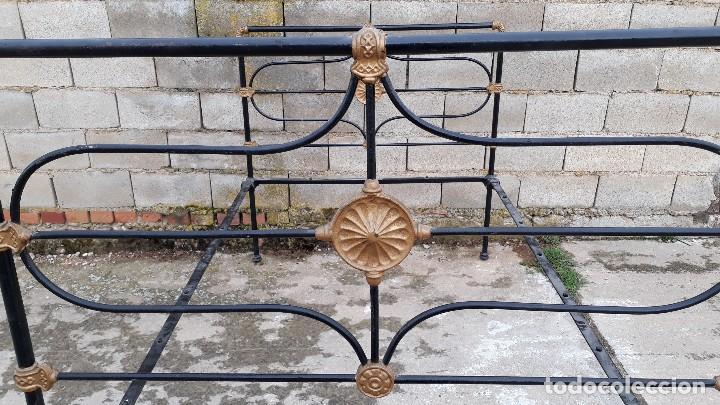 Antigüedades: Cama antigua completa de hierro y latón 122 cm, cabecero y piecero antiguo - Foto 15 - 122626843