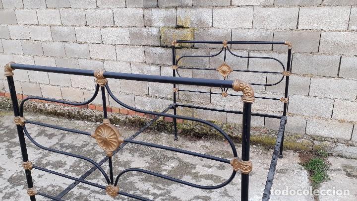 Antigüedades: Cama antigua completa de hierro y latón 122 cm, cabecero y piecero antiguo - Foto 17 - 122626843