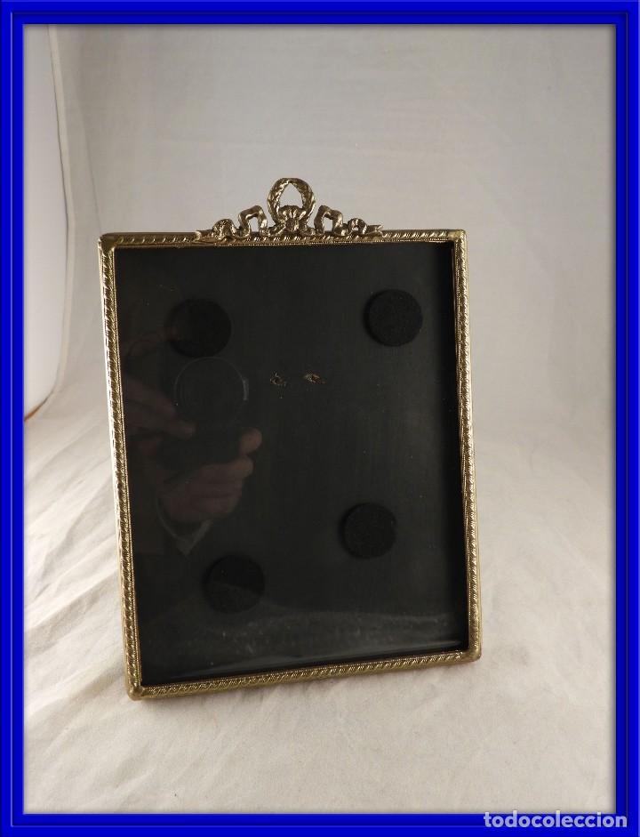 marco de fotos de bronce con copete de guirnald - Comprar Portafotos ...