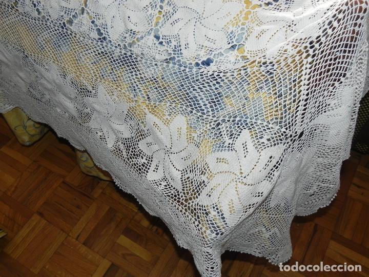 Antigüedades: ** PRECIOSA COLCHA DE HILO DE ALGODON COLOR BLANCO REALIZADA A MANO ** - Foto 5 - 122660979