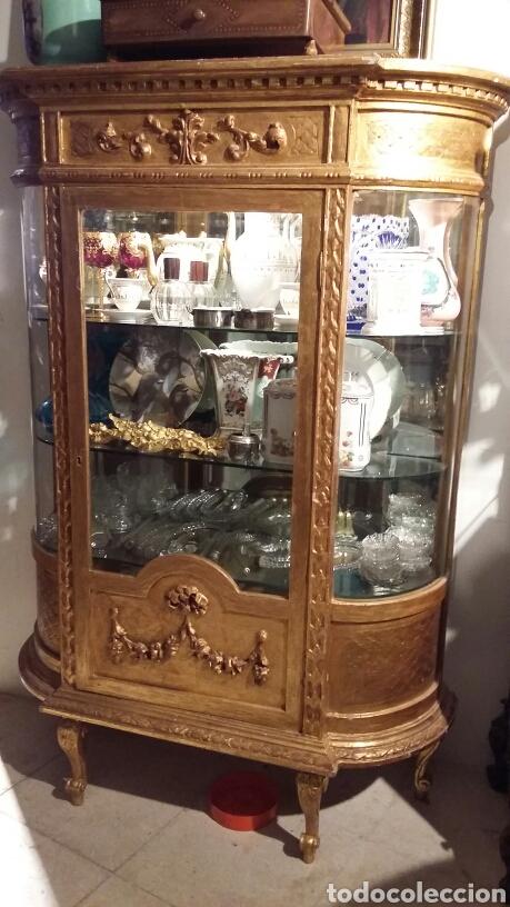 Antigüedades: Vitrina en madera tallada y dorada con oro fino siglo XIX estilo luis XVI - Foto 3 - 122679850