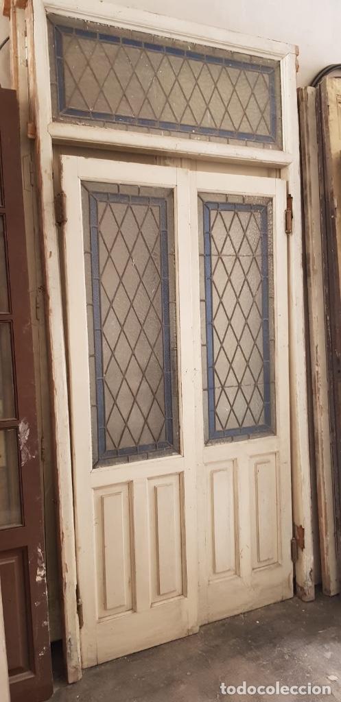 Puerta cristal azul de segunda mano solo quedan 4 al 60 for Puertas de paso segunda mano