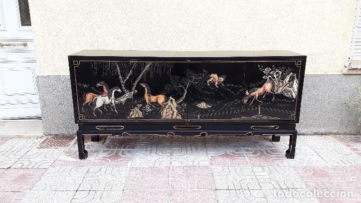 Antigüedades: Mueble aparador antiguo estilo chino, mueble auxiliar bufet, mueble bar taquillón oriental o japonés - Foto 2 - 122753039