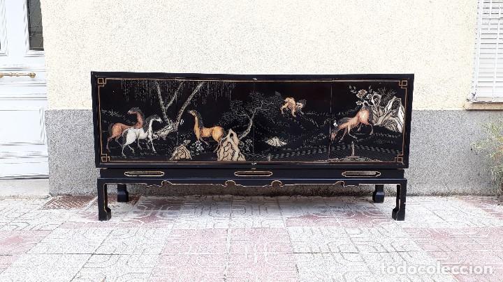 Antigüedades: Mueble aparador antiguo estilo chino, mueble auxiliar bufet, mueble bar taquillón oriental o japonés - Foto 3 - 122753039
