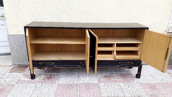 Antigüedades: Mueble aparador antiguo estilo chino, mueble auxiliar bufet, mueble bar taquillón oriental o japonés - Foto 5 - 122753039