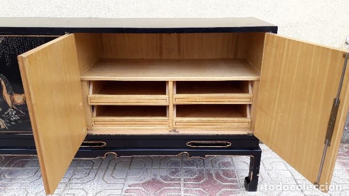 Antigüedades: Mueble aparador antiguo estilo chino, mueble auxiliar bufet, mueble bar taquillón oriental o japonés - Foto 19 - 122753039