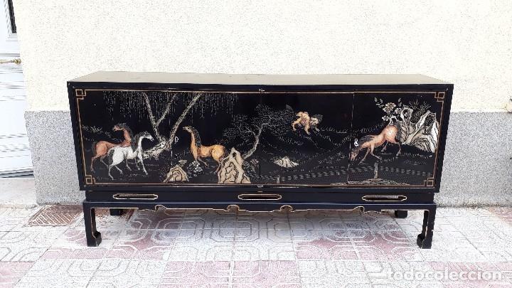 Antigüedades: Mueble aparador antiguo estilo chino, mueble auxiliar bufet, mueble bar taquillón oriental o japonés - Foto 24 - 122753039