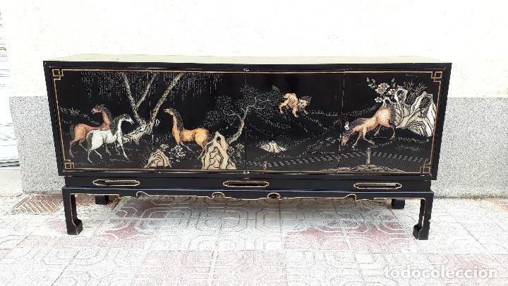 Antigüedades: Mueble aparador antiguo estilo chino, mueble auxiliar bufet, mueble bar taquillón oriental o japonés - Foto 28 - 122753039