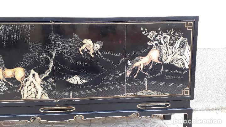 Antigüedades: Mueble aparador antiguo estilo chino, mueble auxiliar bufet, mueble bar taquillón oriental o japonés - Foto 30 - 122753039
