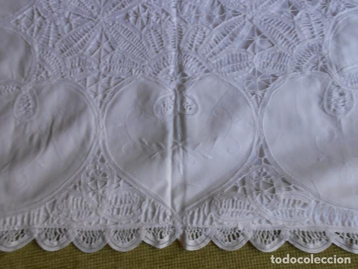 Antigüedades: Preciosa funda almohada,blanco. encajes de brujas a mano 74 x 53 cm. nuevo - Foto 2 - 122785215