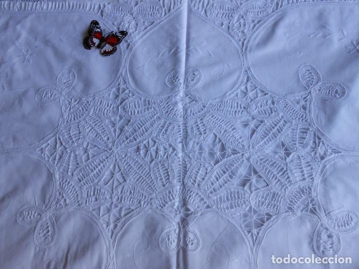 Antigüedades: Preciosa funda almohada,blanco. encajes de brujas a mano 74 x 53 cm. nuevo - Foto 3 - 122785215