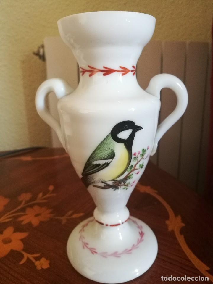 FLORERO EN OPALINA DE LA GRANJA SIGLO XVIII (Antigüedades - Cristal y Vidrio - La Granja)