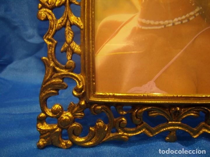 Antigüedades: Marco portafotos de Bronce dorado Barroco,años 60,para fotos de18 x 13cm,tamaño portafo29x22cm,Nuevo - Foto 5 - 86937892