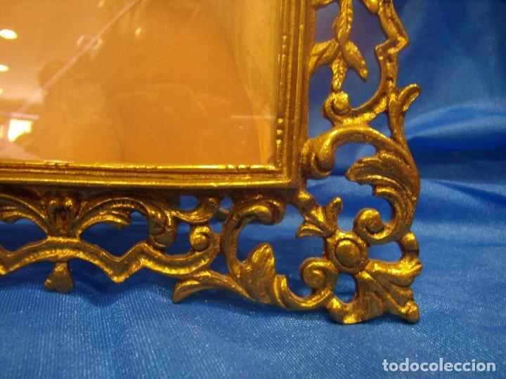 Antigüedades: Marco portafotos de Bronce dorado Barroco,años 60,para fotos de18 x 13cm,tamaño portafo29x22cm,Nuevo - Foto 6 - 86937892