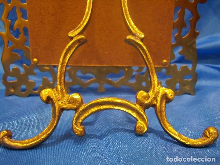 Antigüedades: Marco portafotos de Bronce dorado Barroco,años 60,para fotos de18 x 13cm,tamaño portafo29x22cm,Nuevo - Foto 11 - 86937892
