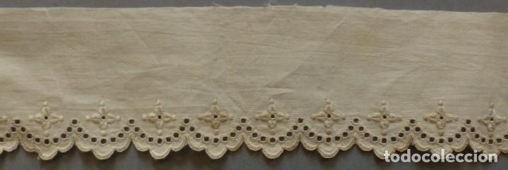 Antigüedades: ANTIGUA PIEZA DE BATISTA BORDADA PRINCIPIOS S. XX - Foto 3 - 122901607