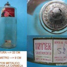 Antigüedades: FARMACIA PELO CABELLO - FRASCO LOCION DE AZUFRE VERI - RARO FORMATO CIRCULAR - 21 X 9 CM DE DIAMETRO. Lote 122916679