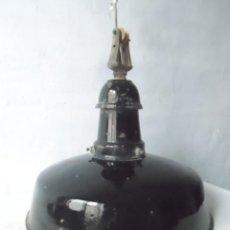 Antigüedades - GRAN lampara industrial ESMALTE NEGRO CON SU SISTEMA COLGANTE MARCA egsa - 122954455
