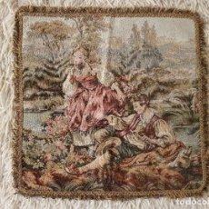 Antiques - ANTIGUO TAPIZ DE GRAN CALIDAD, MUY BIEN CONSERVADO, SIGLO XX, 50 X 50 CM. TAL CUAL SE VE. - 122962439