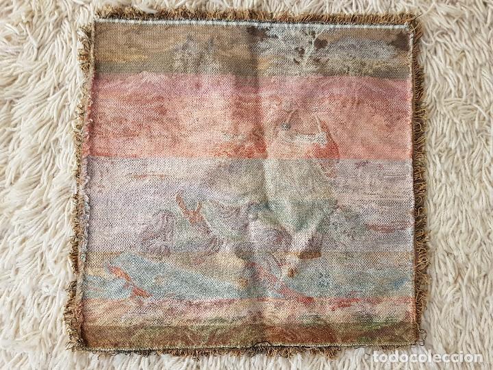 Antigüedades: ANTIGUO TAPIZ DE GRAN CALIDAD, MUY BIEN CONSERVADO, SIGLO XX, 50 X 50 CM. TAL CUAL SE VE. - Foto 9 - 122962439