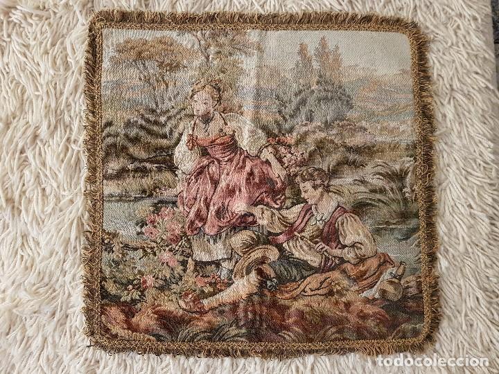 Antigüedades: ANTIGUO TAPIZ DE GRAN CALIDAD, MUY BIEN CONSERVADO, SIGLO XX, 50 X 50 CM. TAL CUAL SE VE. - Foto 10 - 122962439