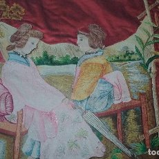Antigüedades: UNICA EN TODO COLECCIÓN COLCHA BORDADA A MANO FINALES S XIX CARAS DE TELA COLLAR CON PIEDRAS FORRADA. Lote 122975471