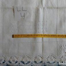 Antigüedades: ANTIGUO CONJUNTO DE SÁBANA ENCIMERA Y DOS FUNDAS DE ALMOHADA. (LL-4). Lote 120384527