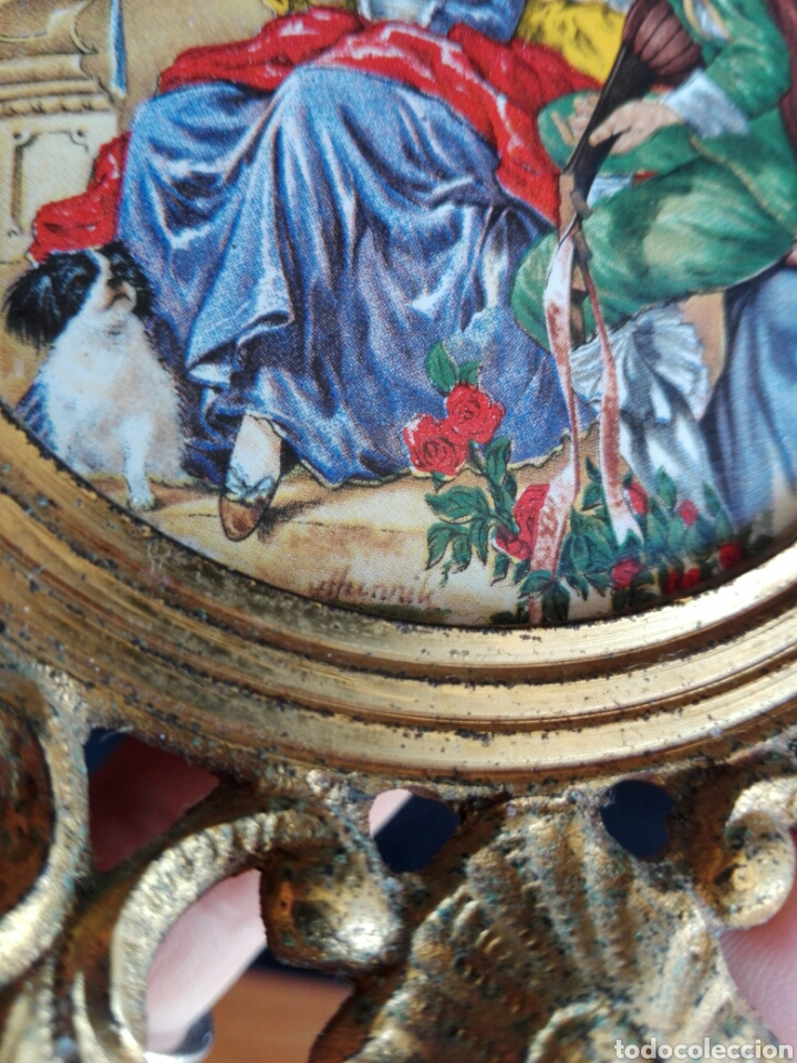 Antigüedades: ROCOCO MARCO REDONDO EN BRONCE CON ESCENA ROMÁNTICA EN PORCELANA 14,5 cm DIÁMETRO IDEAL RELICARIO - Foto 6 - 123117814